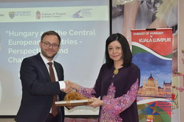 Special Lecture: Hungary and the Central European Countries: Perspectives and Challenges 5