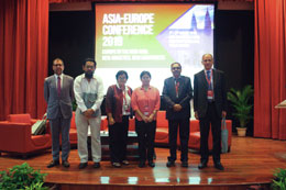 Session 2 Panellists together with Prof. Dr. Sarinah Low, Deputy Executive Director (Research & Internationalisation) of AEI. (from left to right) Professor Sven Biscop, Dr. Farish A. Noor, Prof. Dr. Sarinah Low, Dr. Yeo Lay Hwee, Dr. Jatswan Singh and Mr. Enrico Letta.