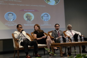 Left to right: Tan Sri Abdul Ghani Othman (Chairman, Sime Darby Plantation Berhad), Dr. Philippa 'Pippa' Malmgren, Mr. Wan Ahmad Fayhsal (moderator) & Dr Shankaran Nambiar (Head of Research, Malaysia Institute of Economic Research)